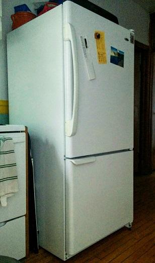 comment ma coloc a réparé notre frigo   bric à bacs